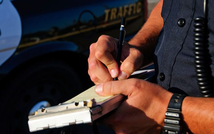 Tips to Get Away when Pulled Over by Traffic Police - How to Avoid A Traffic Fine in Dubai