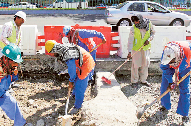 Midday Break for Outdoor Workers Begins in UAE