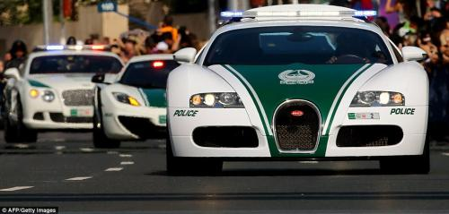 Dubai Police Super Cars - Bugatti Veyron on the road