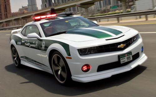 Chevrolet Camaro Dubai Police  front on the road