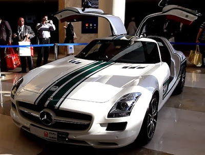 Dubai Police Mercedes-Benz SL63 AMG open door